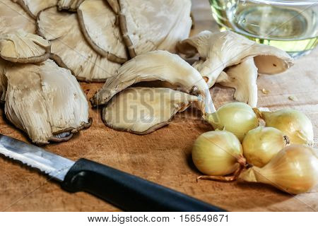 Oyster Mushrooms And Pearl Onions