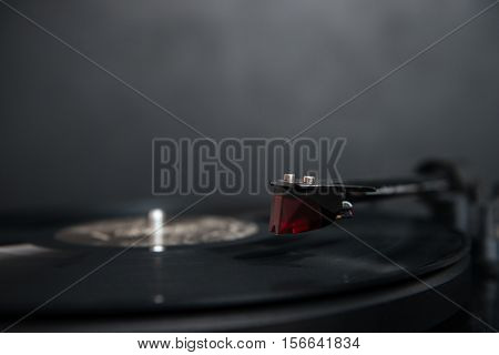 Close up photo of gramophone. photo in studio. isolated black background