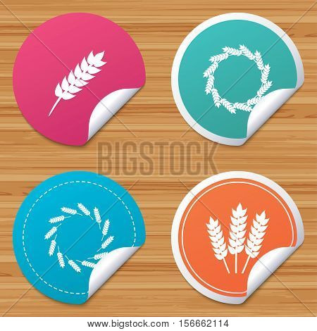Round stickers or website banners. Agricultural icons. Gluten free or No gluten signs. Wreath of Wheat corn symbol. Circle badges with bended corner. Vector