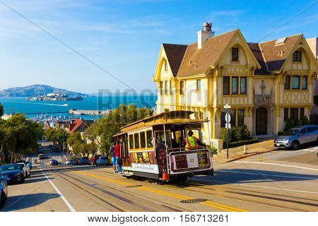 Scenic View Alcatraz Cable Car Victorian House Sf