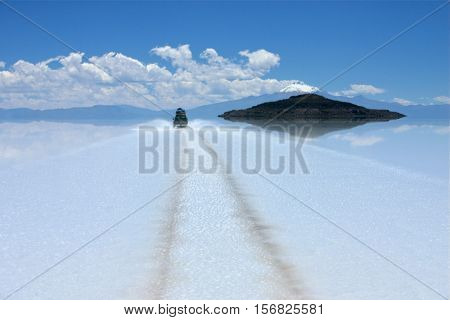 crossing the salt flats in Bolivia by suv to fisherman's island