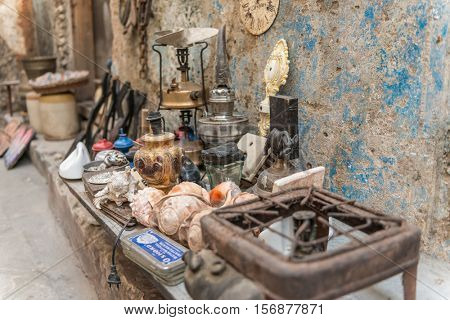 ZANZIBAR, TANZANIYA- JULY 16: selling of old things in african town street on July 16, 2016 in Zanzibar
