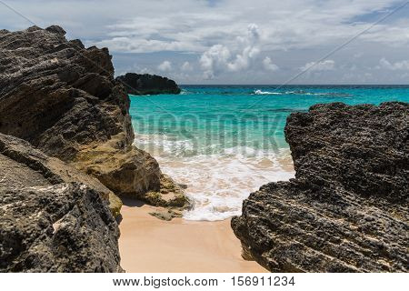 Horseshoe Bay is perhaps the most famous beach in Bermuda. very popular tourist spot it lies on the main island's south (Atlantic Ocean) coast in the parish of Southampton.