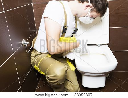Plumber Show Problem Area Of Toilet