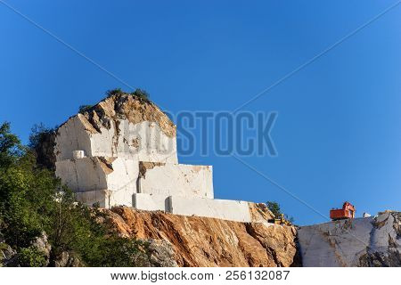 The famous marble quarries (Carrara white marble).  Apuan Alps (Alpi Apuane) Tuscany, (Toscana), Italy, Europe poster