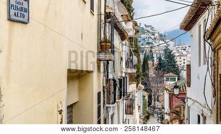 Granada, Spain - February 21, 2015: Urban Scene, View Of A Street In Granada, Andalusia, Southern Sp