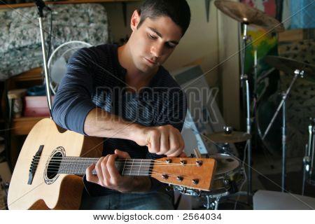 Garage Musician