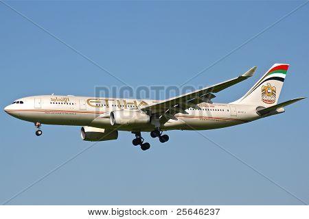 Etihad airliner