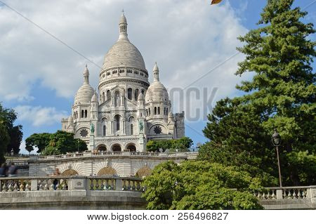 Basilica Of Sacre-coeur In Montmartre, Paris, France.