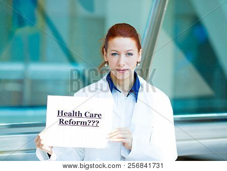 Closeup Portrait Female Health Care Professional Doctor With Stethoscope Holding Sign Health Care Re