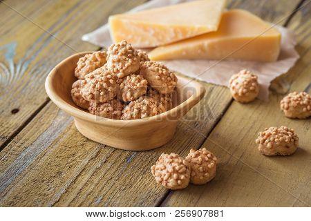 Gouda Cheese Crumbles