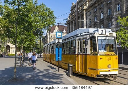 Budapest, Hungary - May 5, 2018: Tram Of Scenic Route No. 2 Departures From Kossuth Lajos Ter M Stop