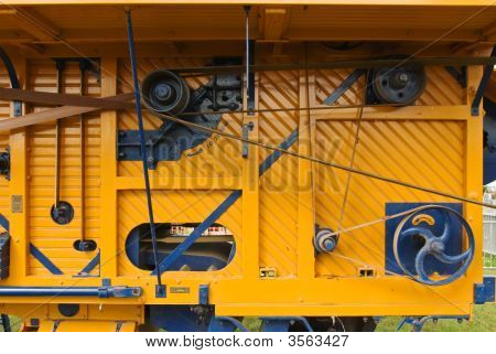 Compley Yellow Machine