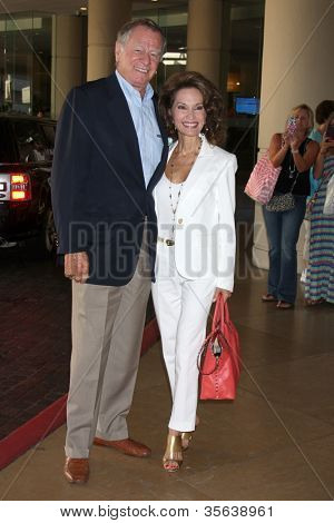 LOS ANGELES - AUG 2:  Helmut Huber, Susan Lucci arrives at the Cable TCA Press Tour at Beverly Hilton Hotel on August 2, 2012 in Beverly Hills, CA