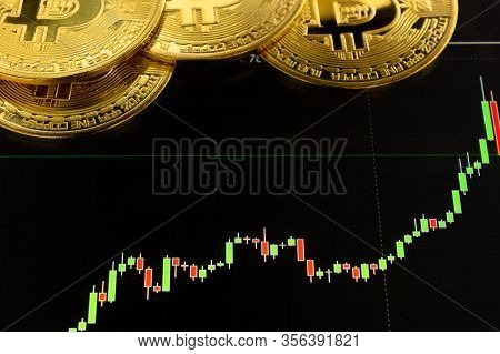 Bitcoin Cryptocurrency Gold Coin. Trading On The Cryptocurrency Exchange. Trends In Bitcoin Exchange