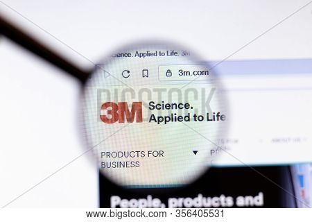 Los Angeles, California, Usa - 20 March 2020: 3m 3m.com Company Logo On Website Page Close-up On Scr