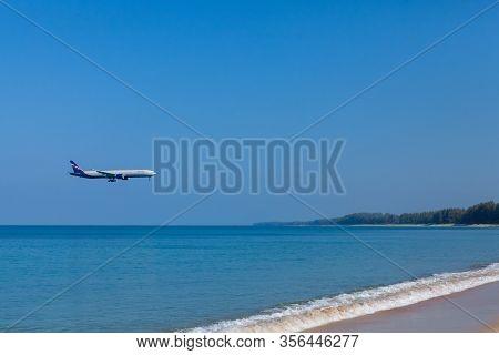 Phuket - Thailand ; February 19  ,2019 : Aeroflot Russian Airlines Airline Landing To Phuket Interna
