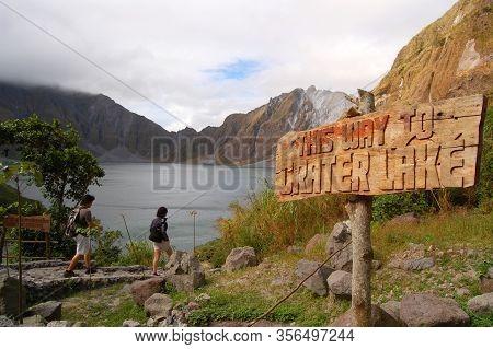 Zambales, Ph-oct 5: Crater Lake Pinatubo Signage On October 5, 2015 In Zambales, Philippines. Lake P