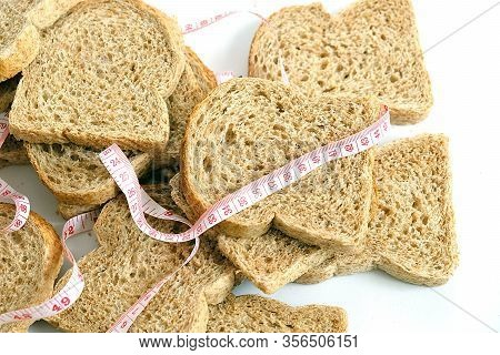 Wholemeal Bread, Diet And Bran Bread, Bran Bread For Weight Loss, Bran Bread For Old People,