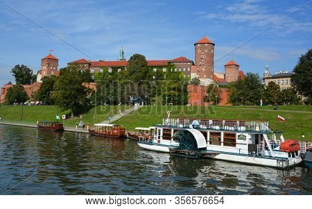 Krakow Poland 09 14 17: Wawel Castle Is A Castle Residency Located In Central Krakow, Poland. Built