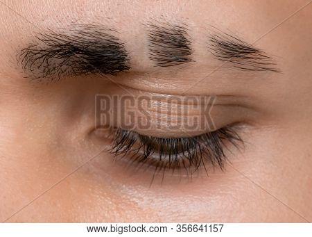 Slits On Eyebrows, Shave Line On Eyebrow, Eyebrow Slash