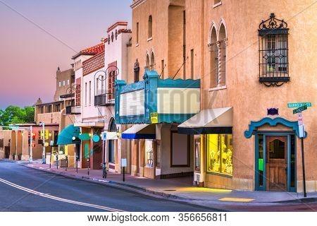 Santa Fe, New Mexico, USA streets at dusk.