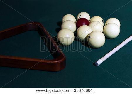 Billiard Table With Balls, Cue, Triangle. Green Cloth. Playing Billiard And Pool. Ruusian Billiard.