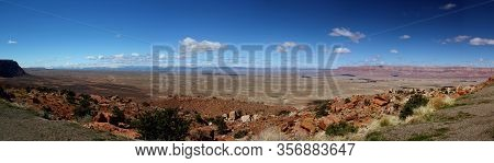 Wonderful Panoramic View: Grand Canyon Nationalpark / Rim Trail / South Rim On A Wonderful Day With