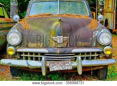 White, Georgia - October 9, 2019: Northwest Of Atlanta, There Is A Place Called Old Car City. Photog