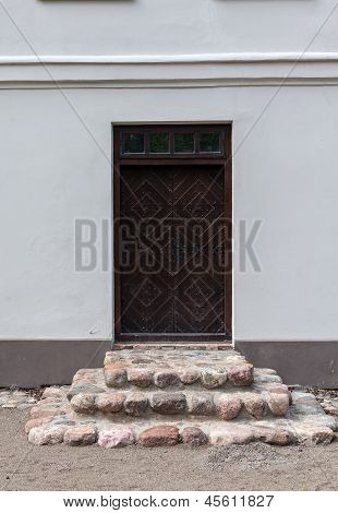 Door In Zypliai Manor
