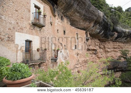 Cave House In Mura .