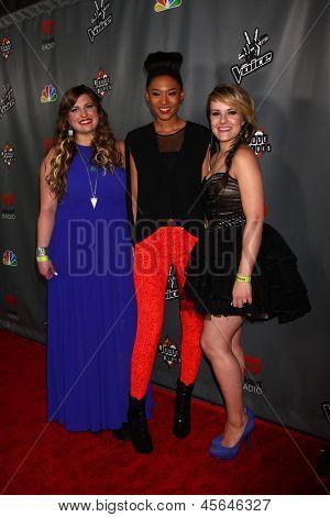 LOS ANGELES - MAY 8:  Sarah Simmons, Judith Hill, Amber Carrington arrives at