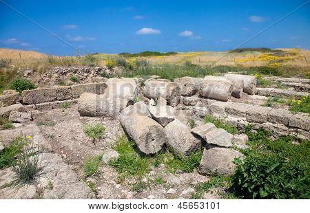 Beatiful Scenic With Roman Ruins