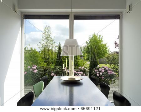 dining room with view to the garden