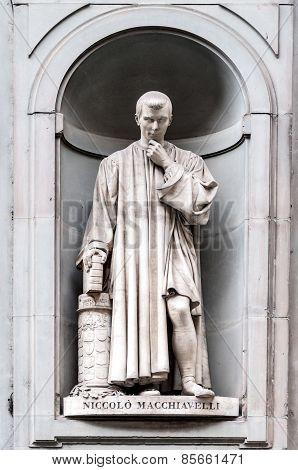 Statue Of Niccolò Machiavelli In Uffizi Alley In Florence, Italy