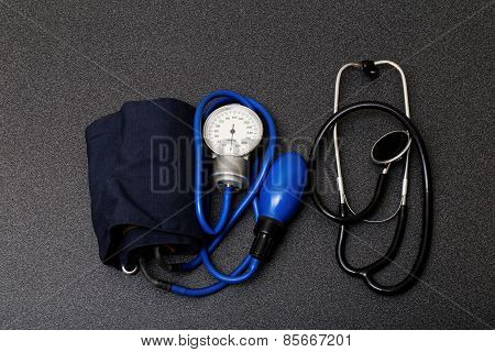 Medic Tools - Stethoscope And Tonometer