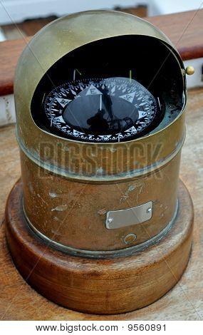 Schiffs-Kompass