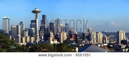 Seattle skyline panorama.