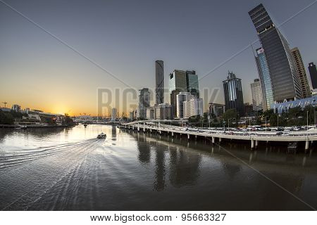 Brisaband City sunset over Brisbane River