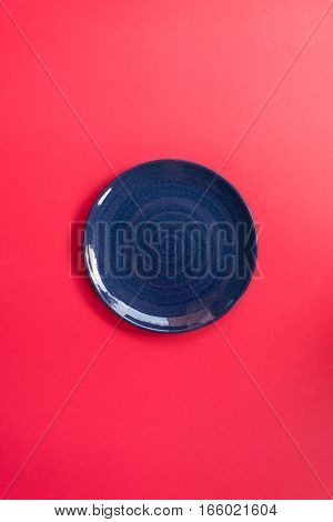 Blue plate Japanese style pink background.isolated empty