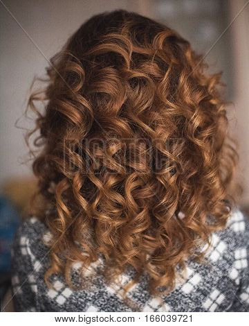 beautiful example of a hairdresser: romantic hairstyle for long hair - loose wavy curls