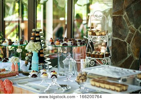 The candy bar with cakes and candies