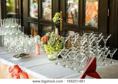 The wedding buffet table with different drinks