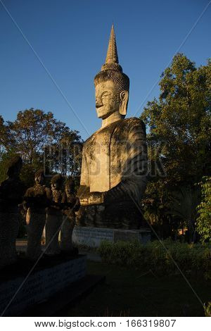 Buddha statue Was built on a hilltop of Thailand Can be seen from a distance.