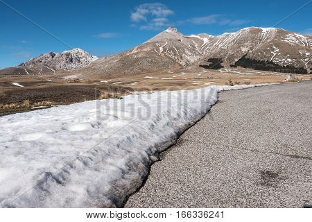 71/5000 Campo Imperatore, the timeless wonder of the little Tibet Abruzzo