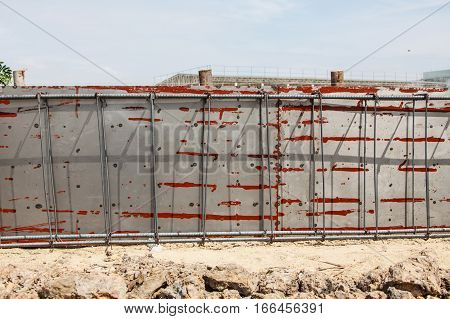 Reinforcement metal framework for concrete pouring, work site