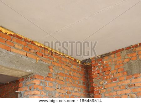 Thermal Bridging: Home Insulation & Reduced Heat Loss Indoor for Energy Saving. Prevent Thermal Bridging.
