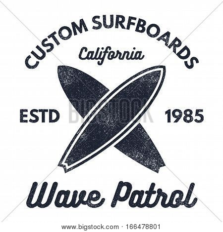 Vintage Surfing tee design. Retro t-shirt Graphics and Emblems for web or print. Surfer, beach style logo . Surf Badge Surfboard seal, elements, symbols. Summer boarding on waves. Stock Vector design.