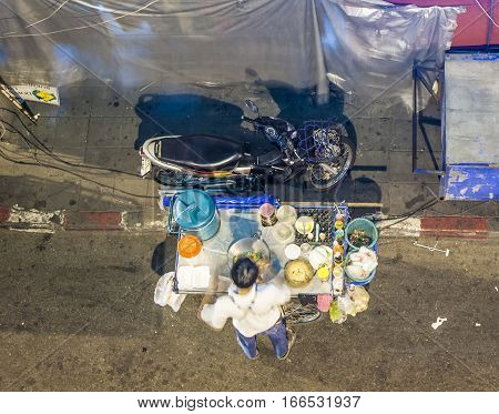 Hawker Sells   Food Cooked In A Pan By Night