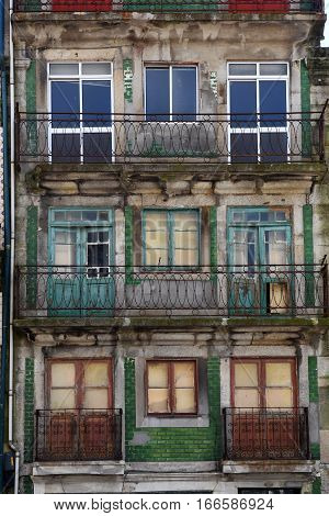 View of an old and tradicional house of Porto, Portugal